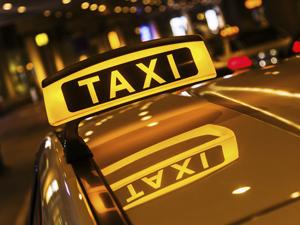 Gabriela Firea a cerut actualizarea de urgență a regulamentului-cadru pentru organizarea activității de taximetrie în Capitală