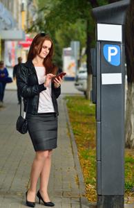 Tarife diferenţiate pentru parcări şi modalităţi moderne de plată, solicitate în cadrul dezbaterii publice organizate de PMB