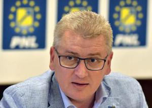 Florin Roman: Amendamentele la Legea administraţiei publice locale continuă să fie o bombă amorsată în Parlament