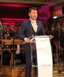 Municipiul Roman a fost premiat pentru Excelența în transparență la Gala Asociației Municipiilor din România