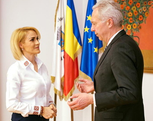 Gabriela Firea a avut o întrevedere cu ambasadorul SUA
