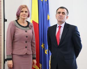 Ambasadorul Republicii Moldova a conferențiat la Consiliul Județean Arad