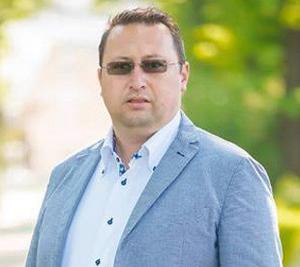 Primarul oraşului Pucioasa susține că procedurile de achiziţie îngreunează mult derularea investiţiilor