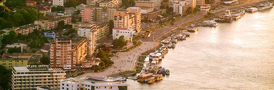 Primăria municipiului Tulcea a depus cerere de finanţare cu fonduri UE a reabilitării a 13 blocuri de pe faleză