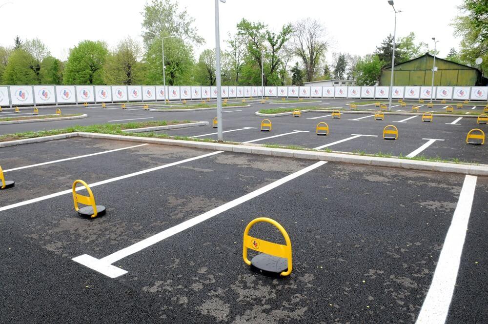 Sector 5: Dezvoltatorii care nu au numărul conform de locuri de parcare nu vor primi autorizaţie de construire