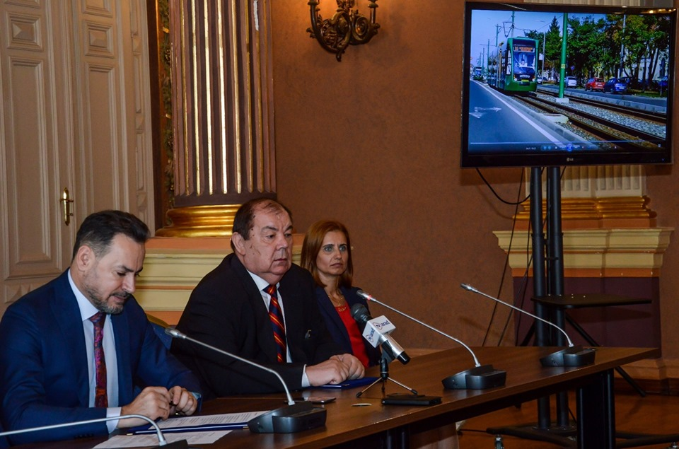 Primăria Arad a semnat achiziţia a 28 de tramvaie de la Astra Vagoane Călători, contract de 219 milioane lei