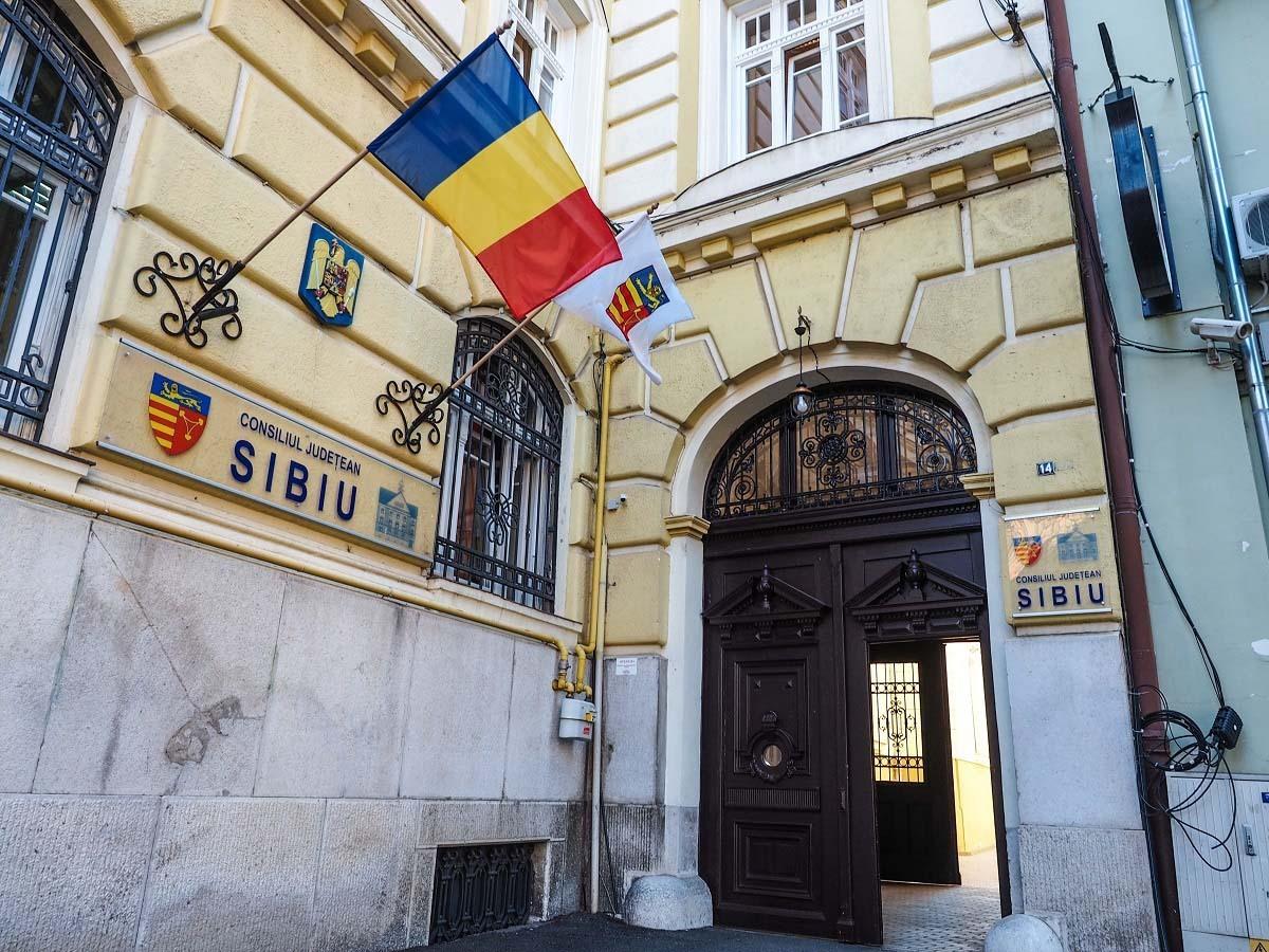 CJ Sibiu intenţionează să obţină 45 de milioane de euro pentru o staţie nouă de tratare a deşeurilor