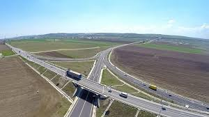 Constructorii au recuperat întârzierile, iar ruta ocolitoare a Sucevei va fi dată în folosinţă la termenul stabilit, susţine prefectul