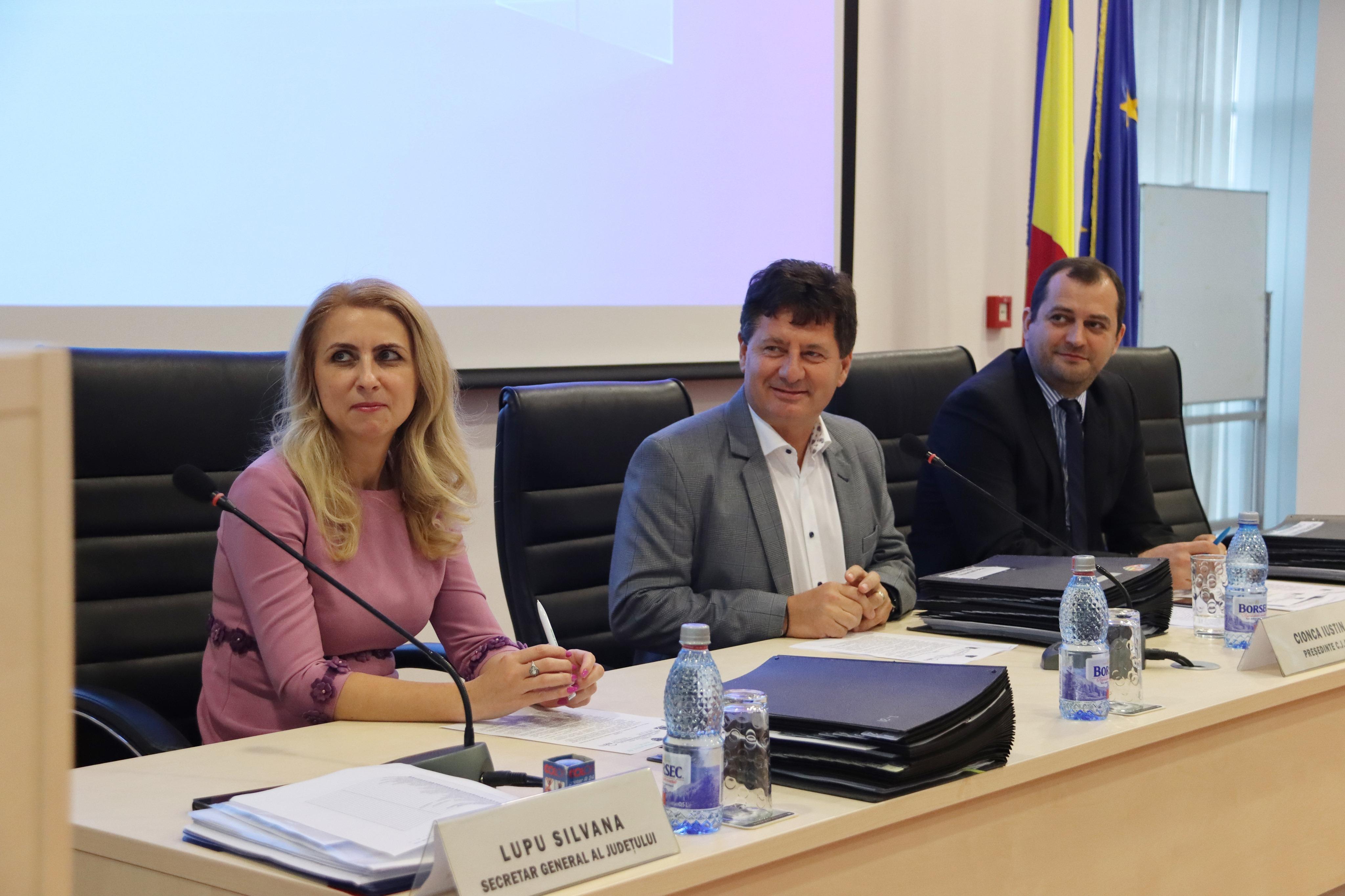 Consiliul Judeţean Arad amenajează noi platforme de verificare a tonajului, pentru a proteja drumurile