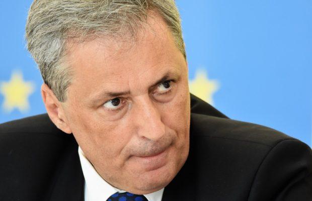 Ministrul Marcel Vela, în videoconferinţă cu prefecţii: Vă dezleg de orice promisiune faţă de politicieni