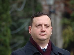 14 primari şi 69 de consilieri locali din județul Suceava au rămas fără funcţii după ce au migrat la alte partide