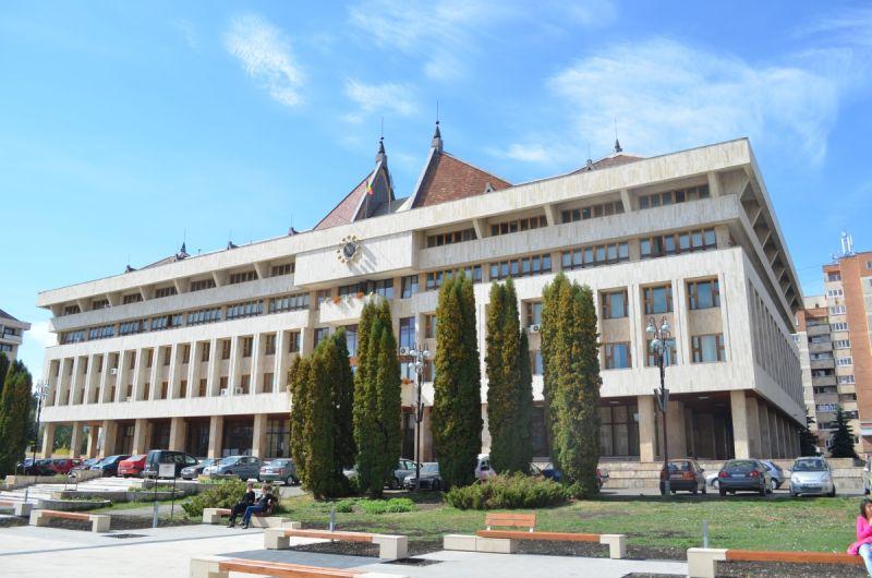 Instituţia Prefectului Harghita a solicitat primarilor să identifice spaţii pentru  organizarea centrelor de carantină sau izolare