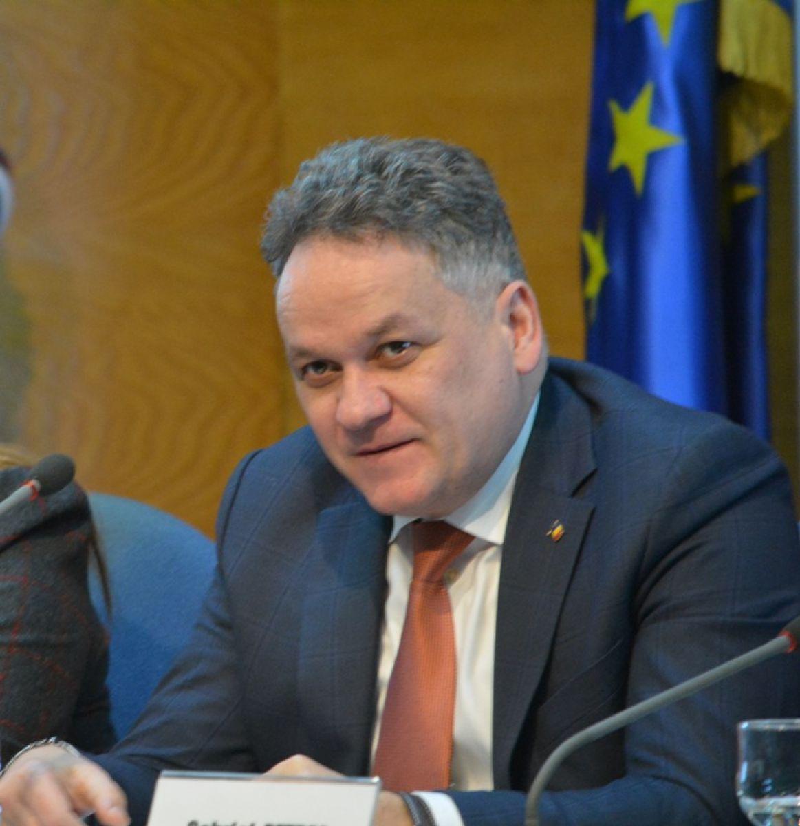 Prefectul de Botoşani a atacat în Contencios-administrativ bugetul pentru drumuri aprobat de Consiliul Judeţean