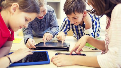 CL Sector 3: Proiecte pentru cumpărarea de tablete şi măşti pentru elevi, finanţate din fonduri europene