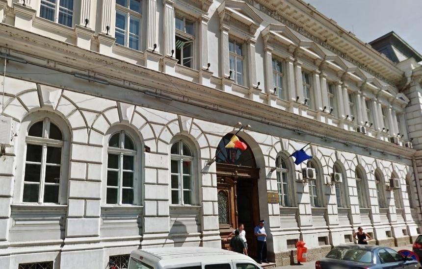 Prefectura Arad reclamă un număr foarte mare de concedii medicale în instituţiile publice