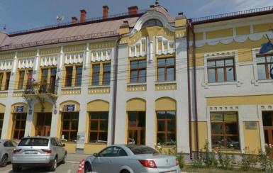 Activitatea Primăriei oraşului Năsăud, suspendată parţial după ce o persoană din instituţie a fost infectată cu COVID-19