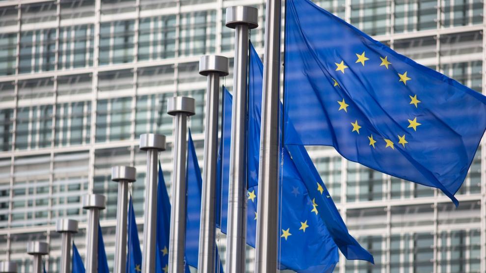 Comisia Europeană anunţă municipalităţile că se pot înscrie în programul de instalare a reţelelor Wi-Fi gratuite în spaţiile publice