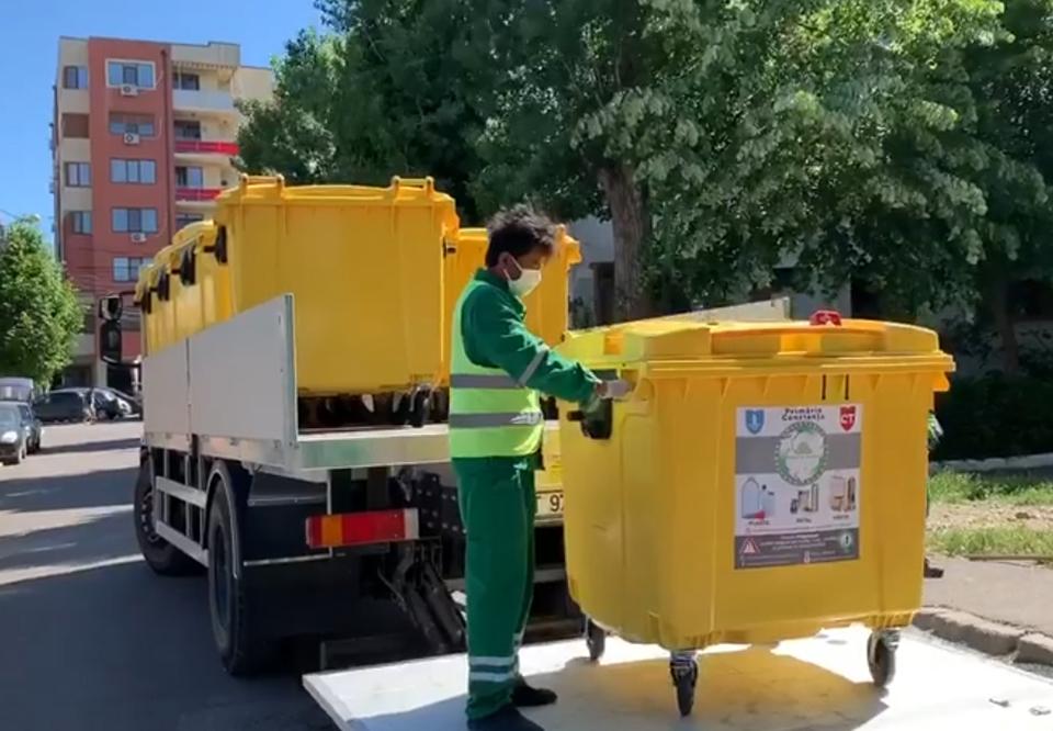900 de containere pentru deşeuri reciclabile, montate la platformele din municipiul Constanţa
