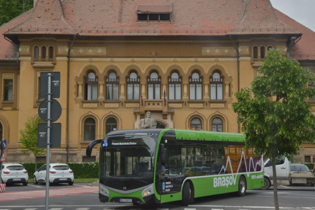 Braşovul ar putea fi primul mare oraş din România care va avea transportul în comun 100% electric