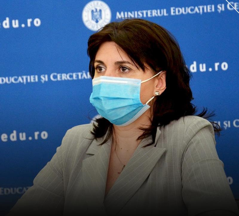 Monica Anisie: Dacă situaţia epidemiologică va fi dificilă, se ia decizia ca pentru 14 zile să se suspende cursurile