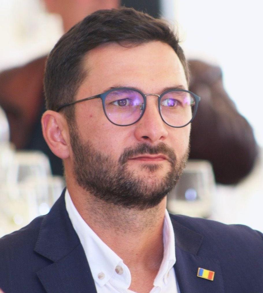 Liberalul Andrei Carabelea a câştigat Primăria Piatra-Neamţ