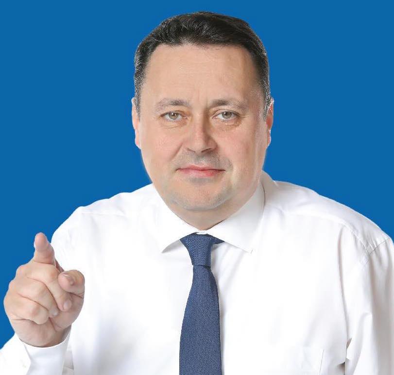 Primarul municipiului Ploieşti, Andrei Volosevici, a fost învestit în funcţie