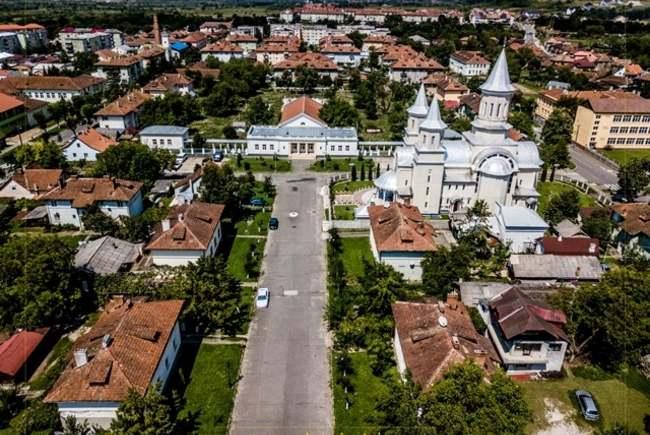 Oraşul Ştei şi comuna bihoreană Borş, la un pas de a deveni staţiuni turistice de interes  local