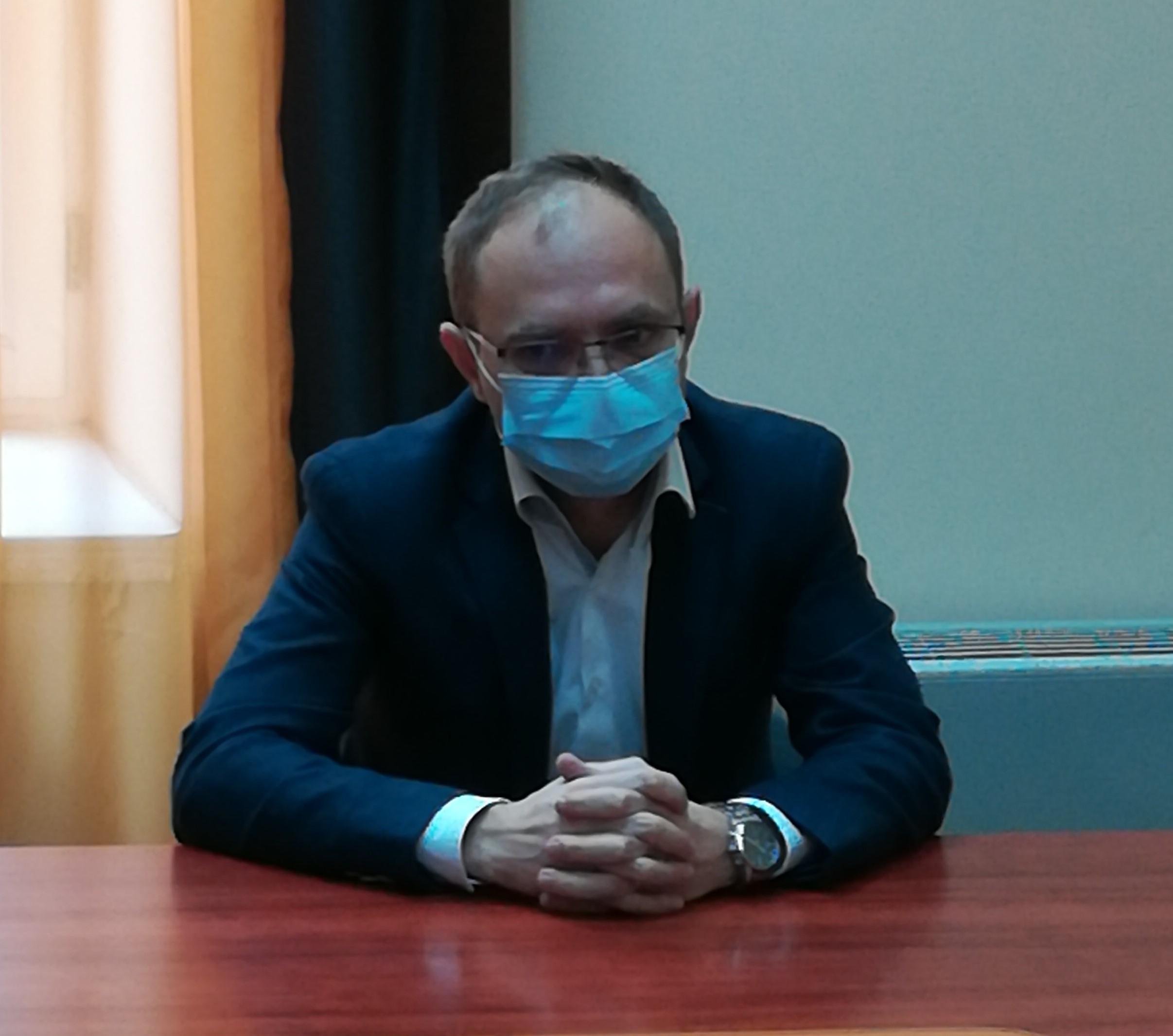Primarul Botoşaniului este nemulţumit de disfuncţionalităţile platformei de programare pentru vaccinarea anti-COVID
