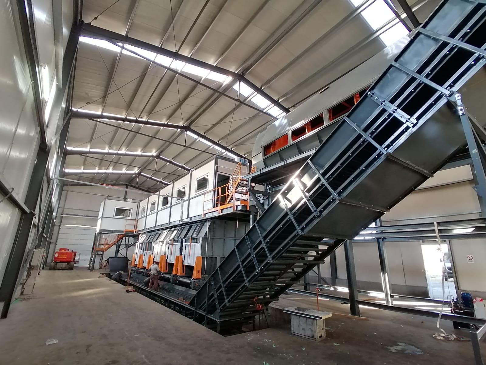 Staţia de sortare a deşeurilor din Arad, retehnologizată cu 5,6 milioane de lei, va fi repusă în funcţiune