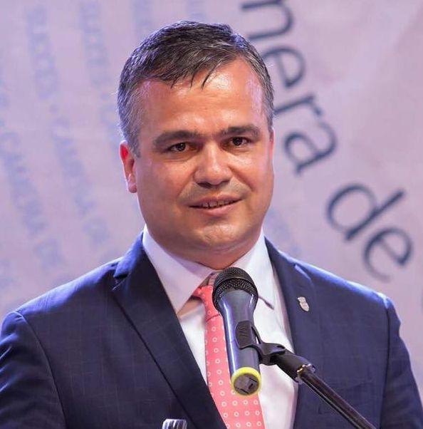 Adrian-Ioan Veştea a fost ales preşedinte al Uniunii Naţionale a Consiliilor  Judeţene din România