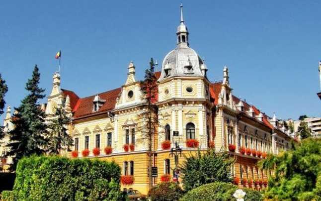 Primăria Braşov vrea să sancţioneze firma care deszăpezeşte pentru că nu şi-a  îndeplinit obligaţiile contractuale