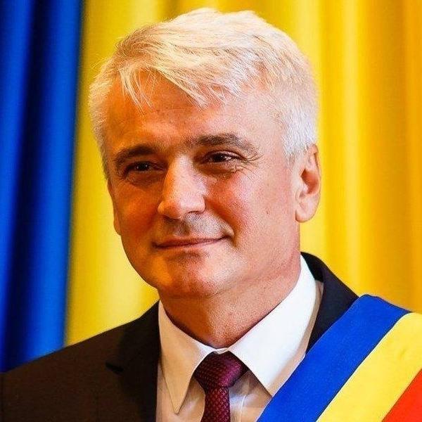 Condamnat la închisoare cu suspendare, primarul din Şimleu Silvaniei demisionează din funcţie