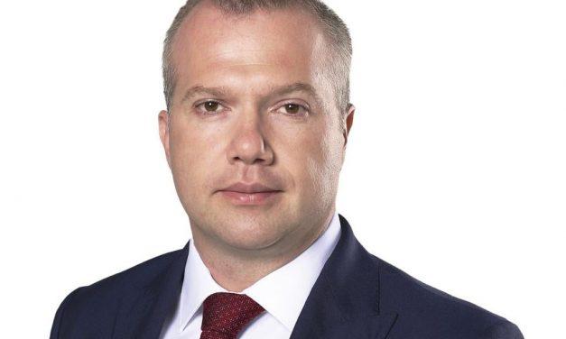 Primarul municipiului Galaţi, Ionuţ Pucheanu, propune dublarea şi chiar triplarea burselor pentru elevi