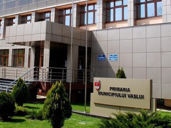Consilierii locali din Vaslui au respins organigrama primăriei, care prevedea suplimentarea posturilor şi înfiinţarea funcţiei de city manager