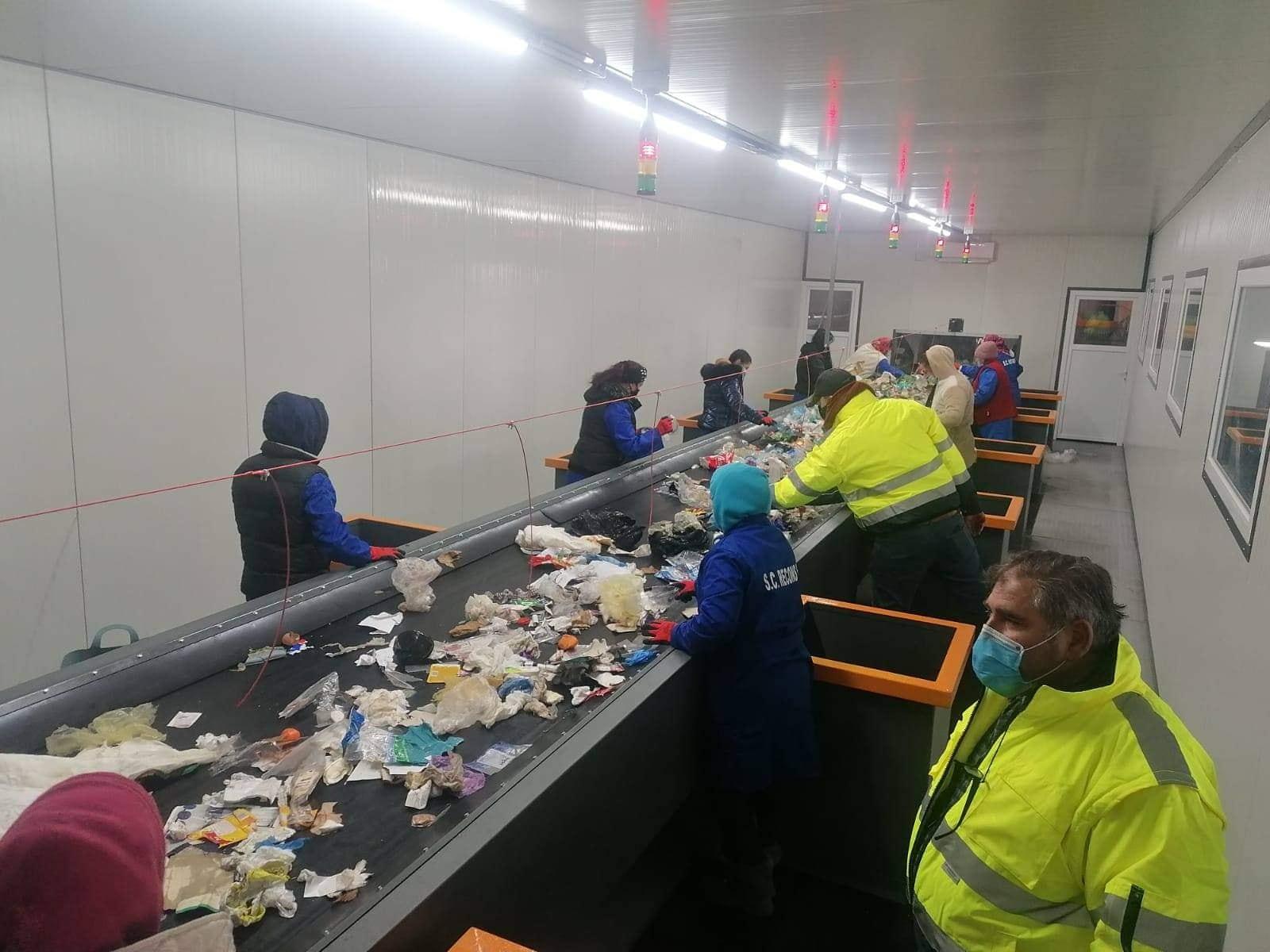 La Arad a fost pusă în funcţiune staţia de sortare a deşeurilor, investiţie de 5,6 milioane lei