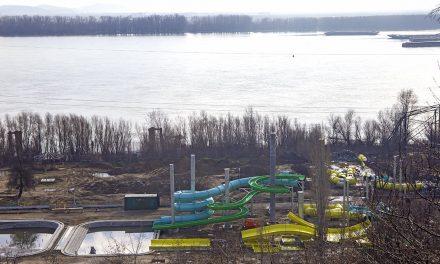 Aqua Park-ul din Galaţi va fi dat în folosință în această vară