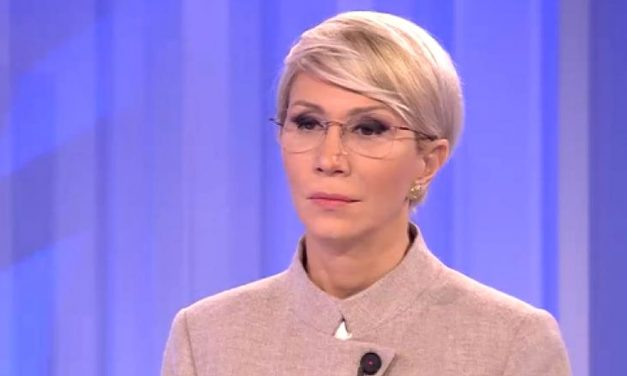 Raluca Turcan: Sporurile au ajuns să fie subterfugii pentru majorări de salarii, unele necesare, altele forţate