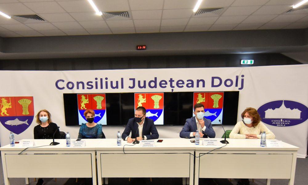 Conducerea CJ Dolj a solicitat sprijinul ministrului Sportului pentru construirea unei arene multifuncţionale pe Stadionul Tineretului