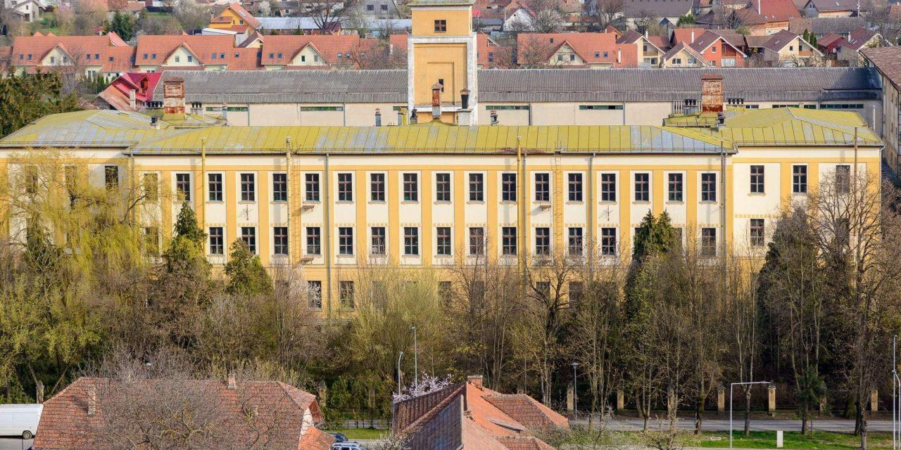 """Autorităţile locale achiziţionează Fabrica de Ţigarete din Sfântu Gheorghe şi o transformă într-un """"Palat al minunilor"""""""
