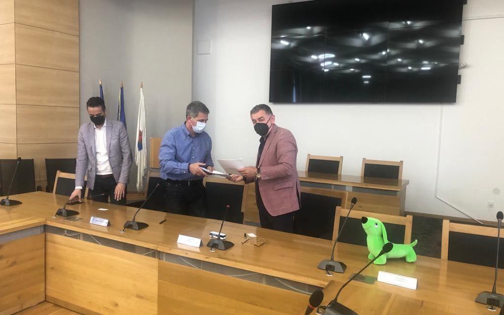 A fost semnat contractul de achiziţie pentru 40 de autobuze electrice destinate municipiului Piteşti