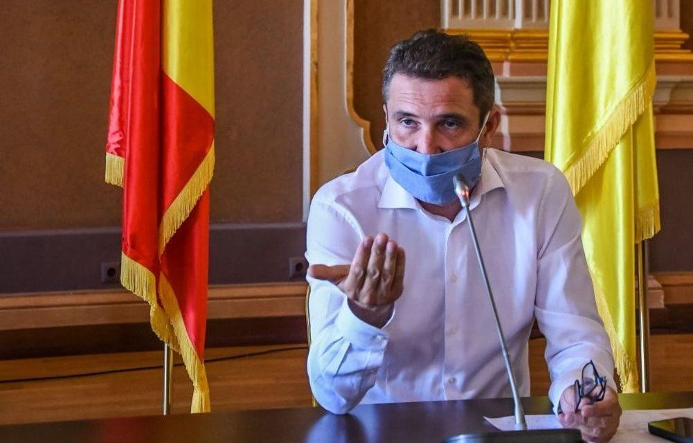 Primarul Aradului este nemulţumit că Guvernul nu sprijină financiar activitatea CET