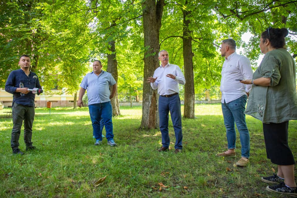 Autorităţile locale din Covasna şi Harghita cer ajutorul celor guvernamentale în problema urşilor