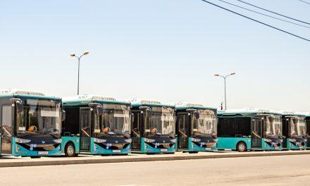 Zece autobuze electrice, achiziţionate cu fonduri UE, au ajuns la Mangalia