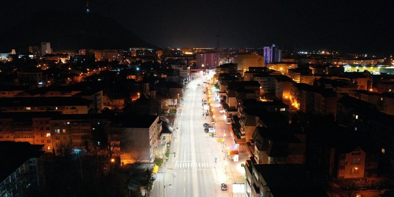 Sistemul de iluminat public din Piatra-Neamţ va fi modernizat şi extins