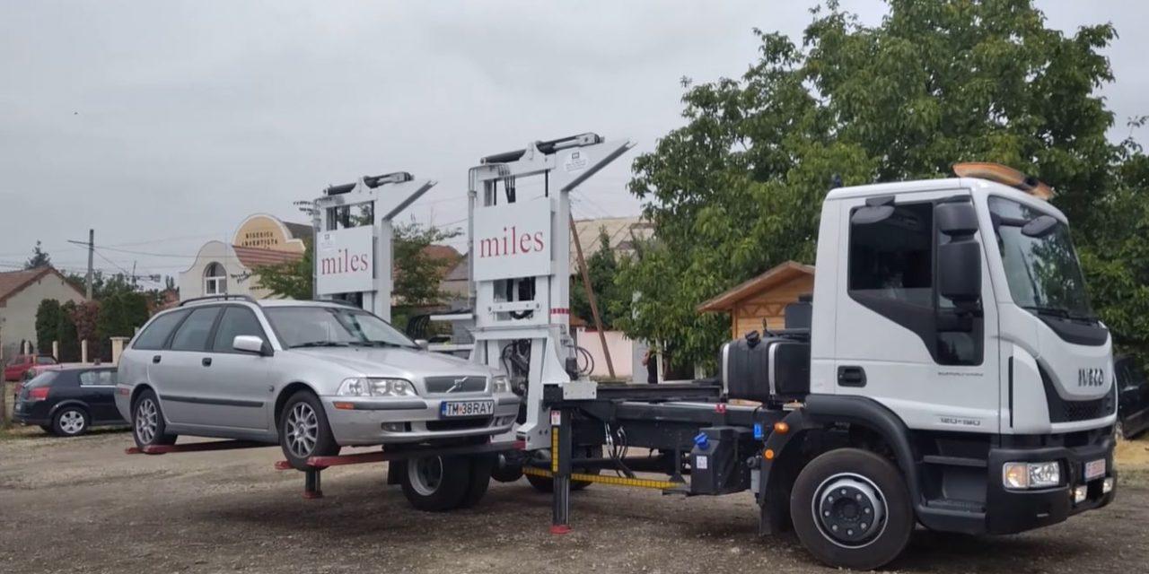 Primăria Oradea a achiziţionat o maşină de ridicare rapidă a autovehiculelor staţionate ilegal