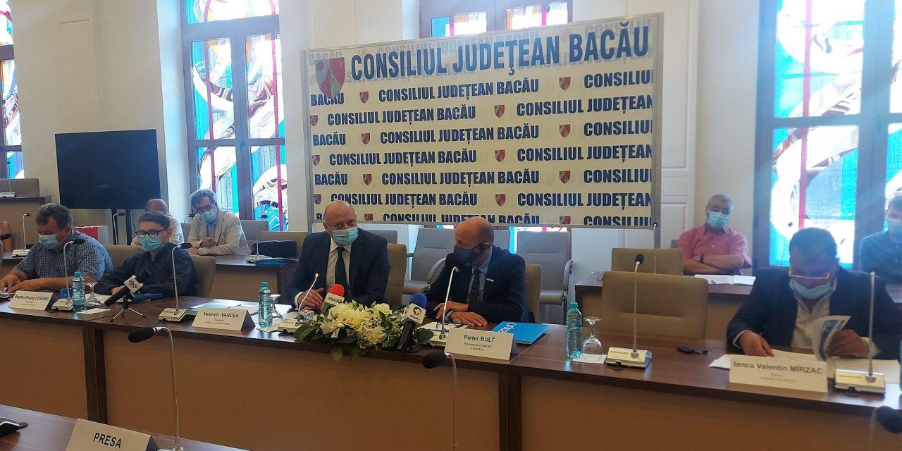 Parteneriat între patru localităţi băcăuane şi UNICEF în cadrul unui proiect în valoare de 5 milioane euro