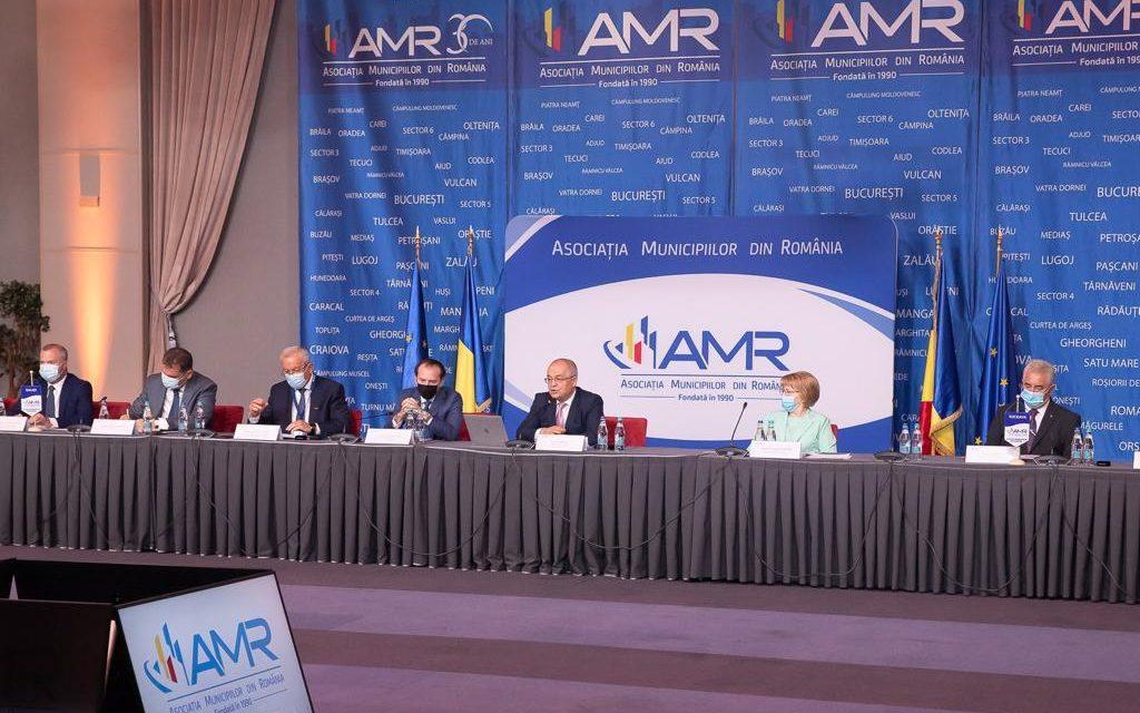 Emil Boc propune facilităţi administrative în vederea creării unor zone metropolitane