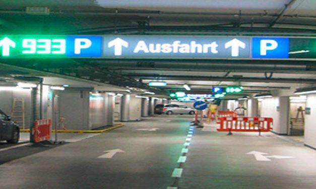 Află cum îți poți mări bugetul cu ajutorul sistemelor de digital signage pentru parcări