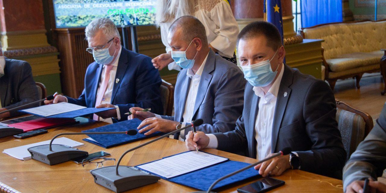 """Judeţele Gorj, Dolj şi Hunedoara au semnat memorandumul pentru înfiinţarea Asociaţiei de Dezvoltare Intercomunitară """"Conurbaţia Jiului"""""""
