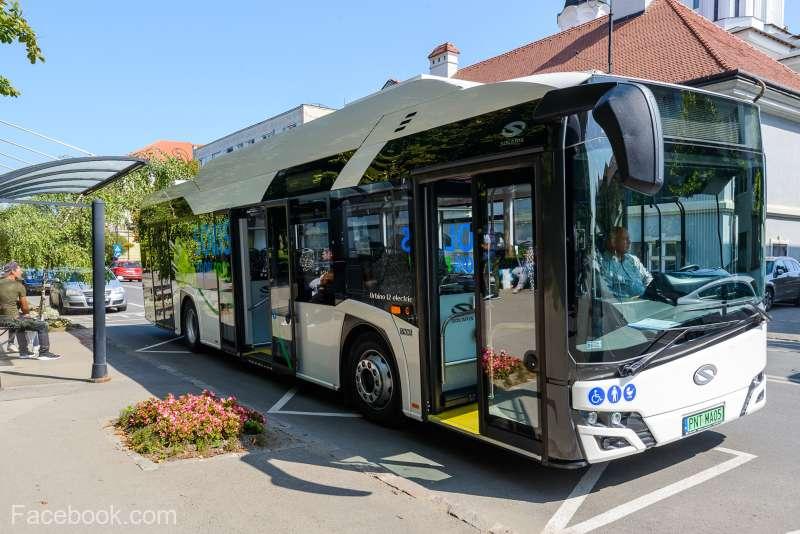 Covasna: Primăria Sfântu Gheorghe va achiziţiona 12 autobuze electrice; cetăţenii pot călători cu un autobuz aflat în testare